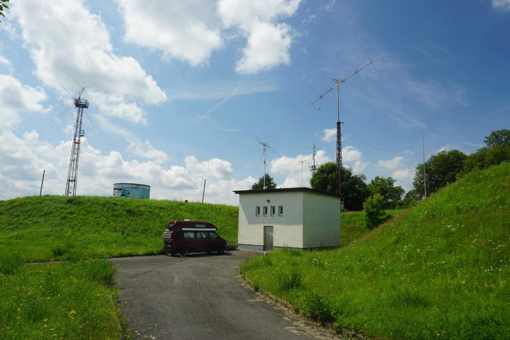 Antennenfarm - DF0HQ ist direkt an einem Wasserhochbehälter